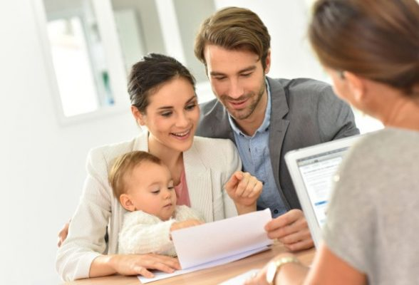 family-of-three-with-mortgage-lender